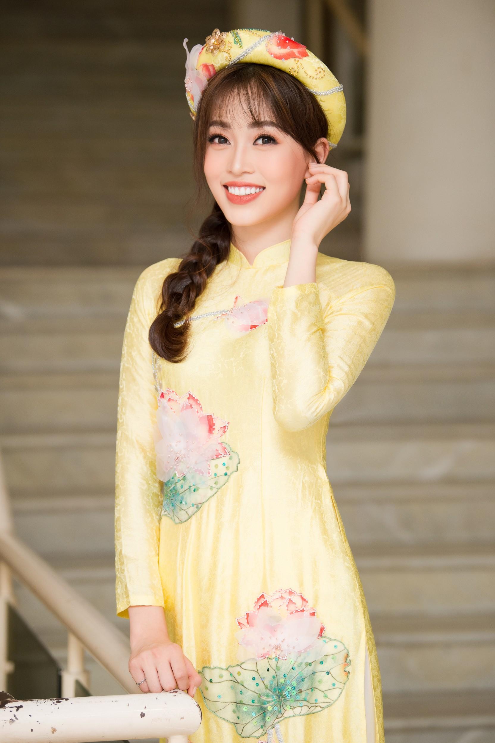 Phương Nga diện áo dài nền nã, thân thiết khi đụng độ bạn gái màn ảnh của Bình An - Ảnh 1.
