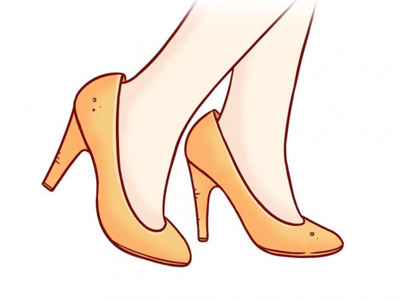 Đi mua giày dép nhớ tránh những lỗi sai này để không làm biến dạng chân nghiêm trọng - Ảnh 1.
