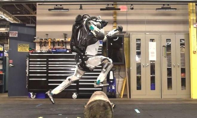 Những sáng tạo đột phá về công nghệ robot của Boston Dynamics báo trước một tương lai tươi sáng nhưng cũng đầy đáng sợ - Ảnh 1.