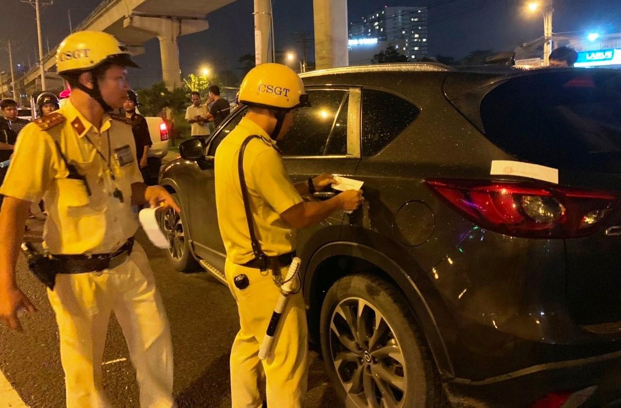 TP. HCM: Bị xử phạt vì lái xe trong lúc say xỉn, tài xế còn doạ CSGT nếu tạm giữ phương tiện sẽ không để yên - Ảnh 2.