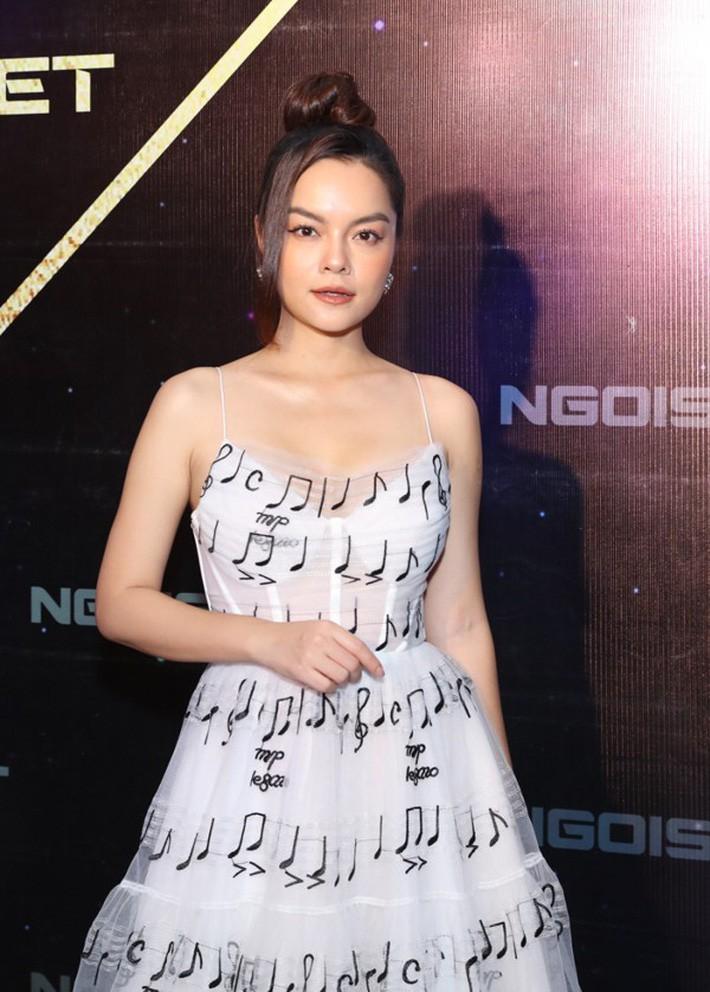 Diện chung váy với Phạm Quỳnh Anh, Hoàng Oanh rất xinh nhưng vẫn mất điểm vì một chi tiết - Ảnh 4.