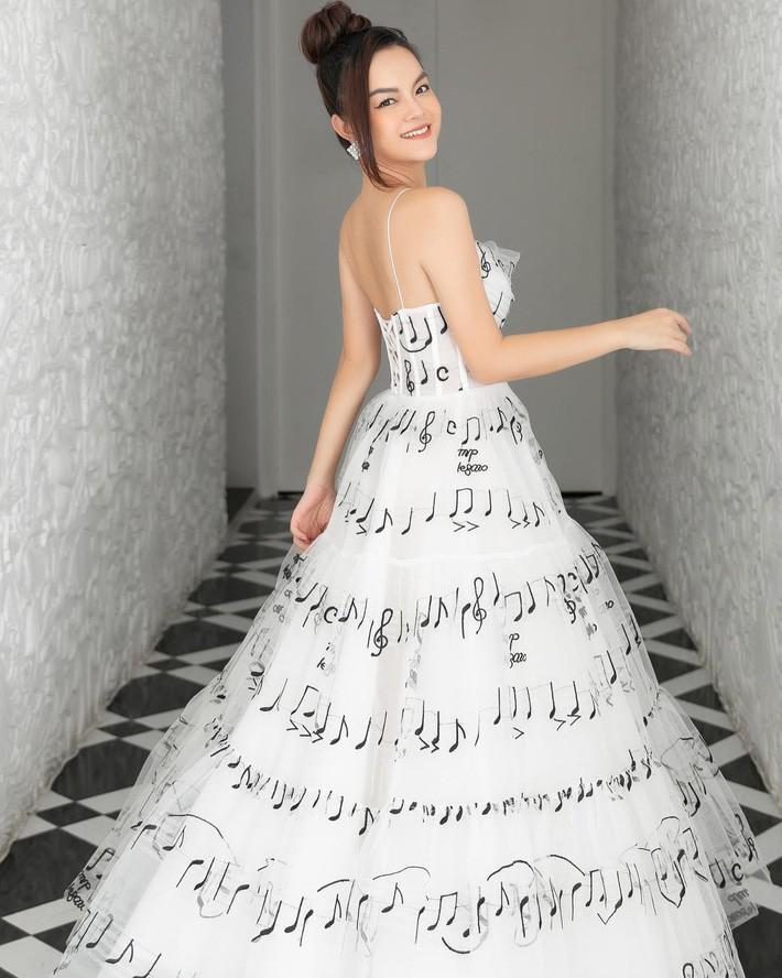 Diện chung váy với Phạm Quỳnh Anh, Hoàng Oanh rất xinh nhưng vẫn mất điểm vì một chi tiết - Ảnh 5.