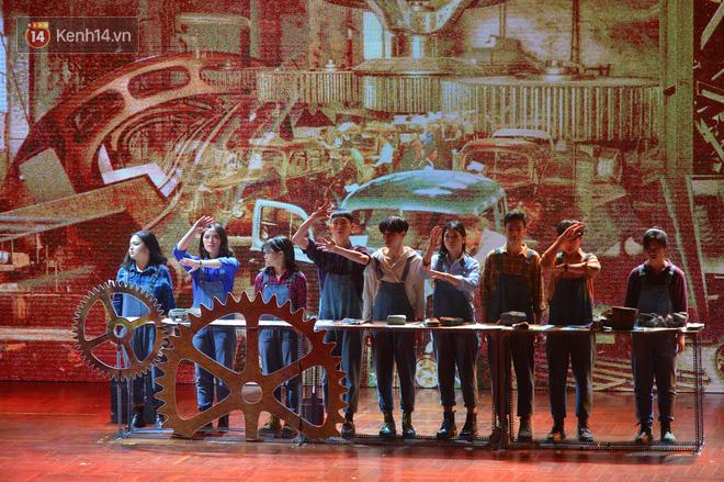 Hiếm có trường THPT nào ở Việt Nam tổ chức được nhạc kịch Tiếng Anh xuất sắc đỉnh cao như học sinh trường Ams - Ảnh 2.