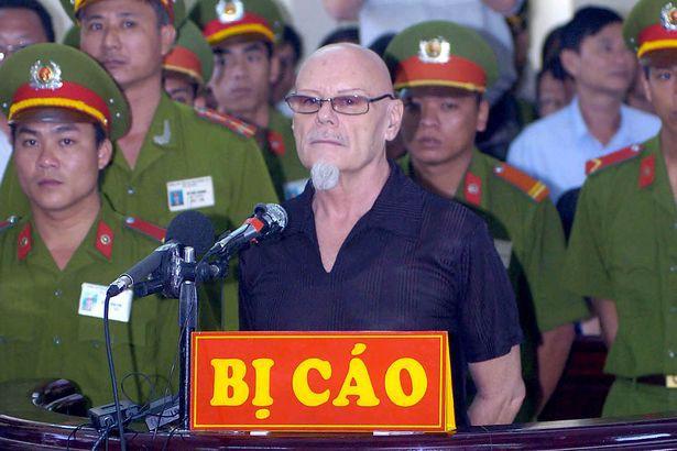 Tội phạm ấu dâm người Anh tới Việt Nam sống sau khi ra tù gây phẫn nộ dư luận - Ảnh 4.
