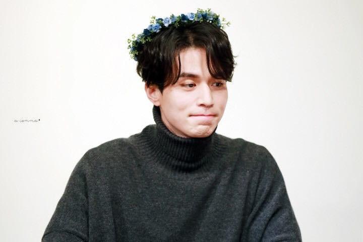 Tội cho chú già đẹp trai Lee Dong Wook, U40 rồi mà fan vẫn bắt đội mũ tai thỏ, hoa bèo nhìn khổ tâm hết sức - Ảnh 5.