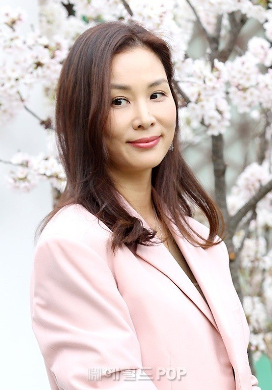 Con gái tài tử Jang Dong Gun và nữ minh tinh đại gia lần đầu lộ diện: Ai ngờ đã lớn thế này rồi! - Ảnh 2.