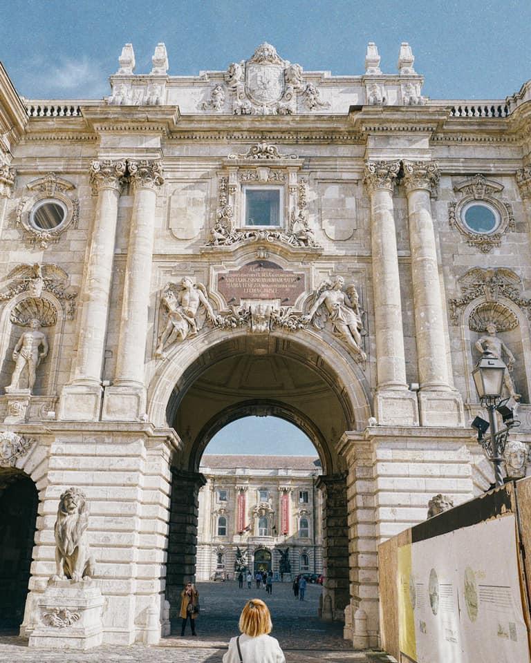 Theo chân anh bạn điển trai người Việt khám phá Budapest - thủ đô nổi tiếng đẹp như phim điện ảnh của Hungary - Ảnh 19.