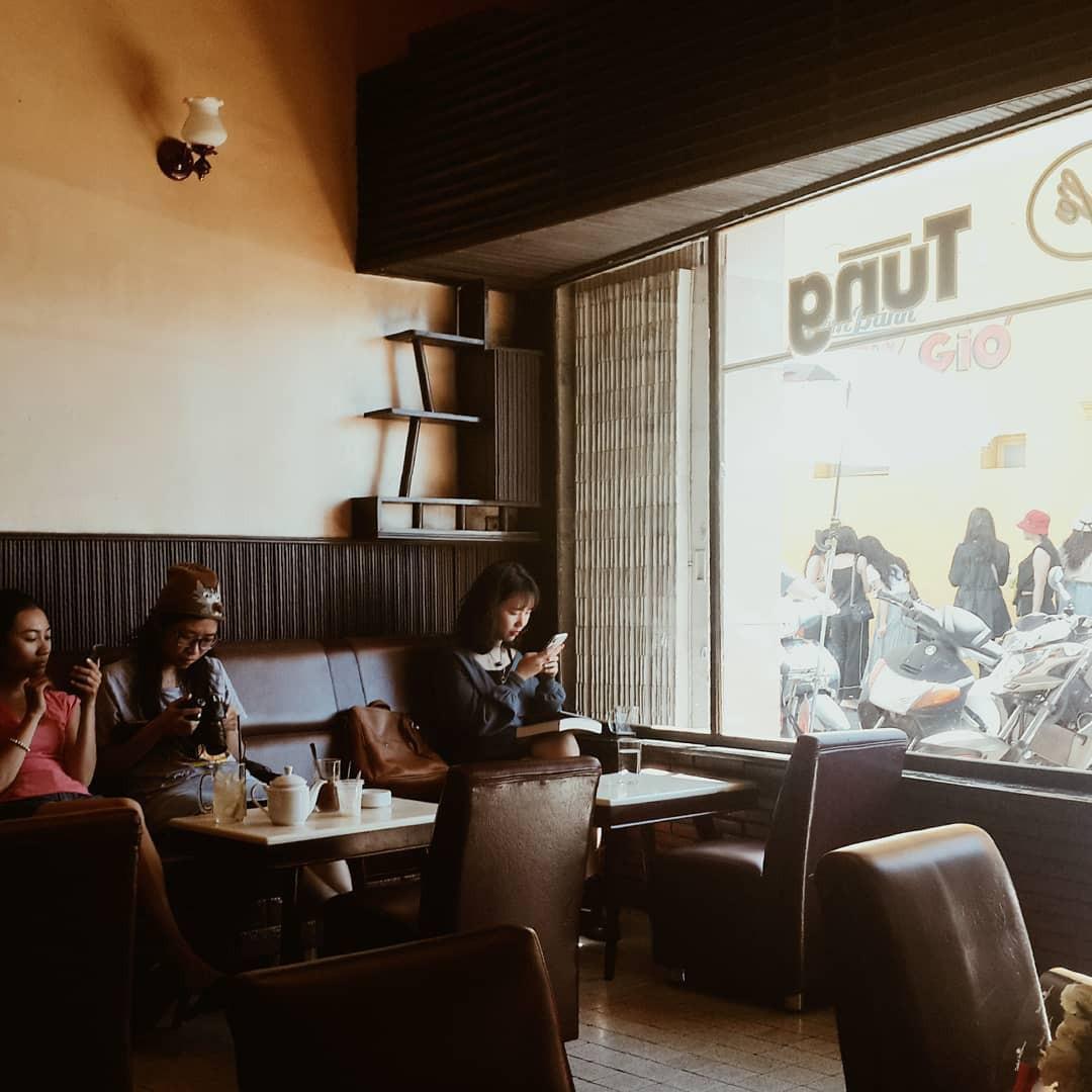 Cafe Tùng và những miền ký ức chưa kể về một hồn thơ Đà Lạt rất riêng, rất cũ giữa thời hiện đại! - Ảnh 3.