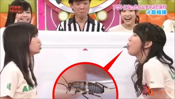 Có hẳn một show truyền hình Nhật cho các cô gái ăn gián, bọ cạp... trong nước mắt - Ảnh 2.