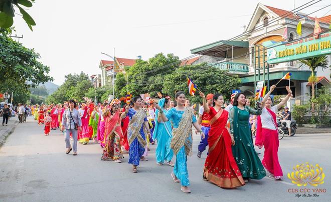 Chủ tịch TP Uông Bí nói về việc bà Phạm Thị Yến xuất hiện trong lễ Phật đản chùa Ba Vàng - Ảnh 2.