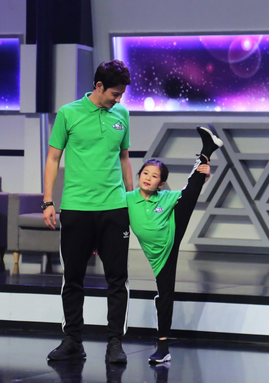 Huy Khánh nói gì khi con gái cưng bị đánh giá hỗn hào khi chơi gameshow? - Ảnh 1.