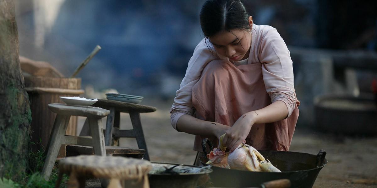 Người Vợ Ba: Vẻ đẹp nước đôi giữa truyền thống và câu chuyện phụ nữ hậu hiện đại - Ảnh 9.