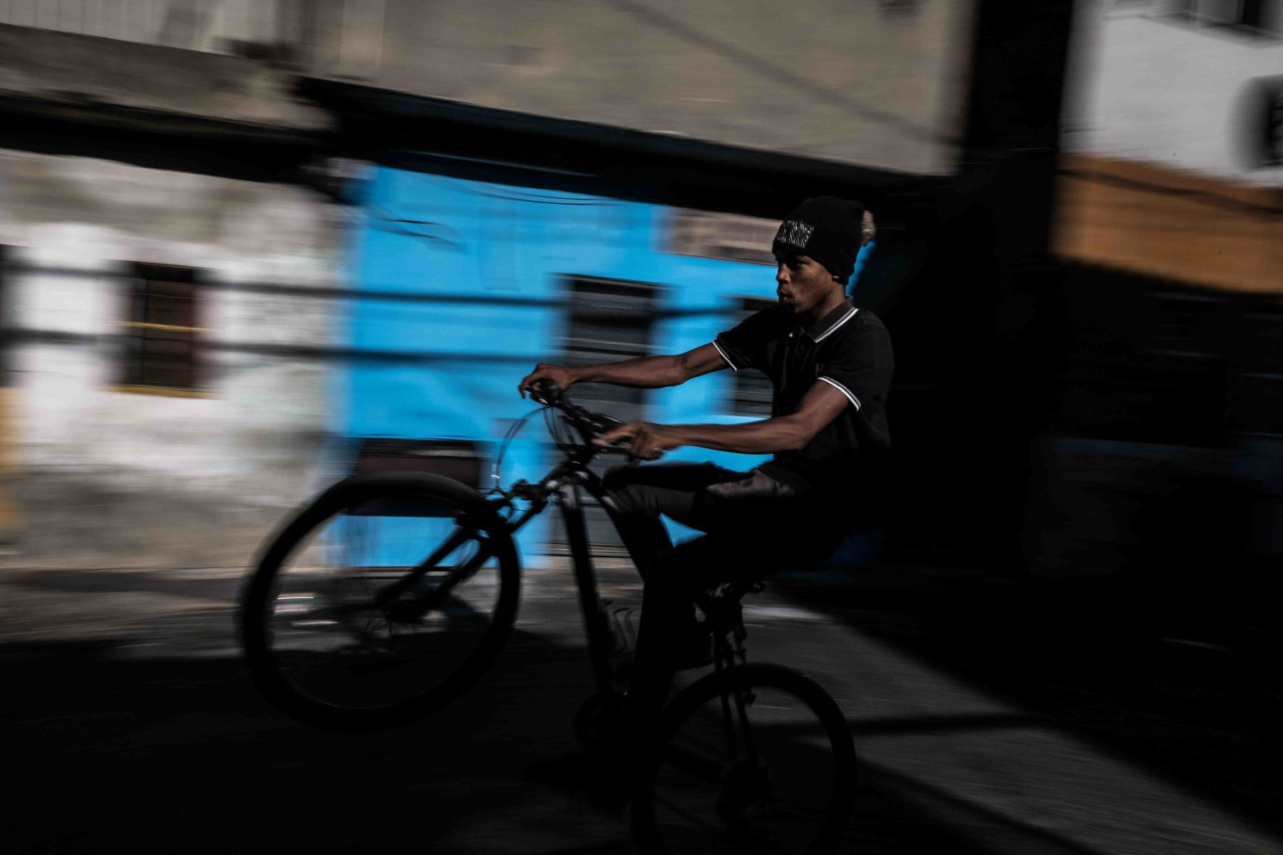 Mặt tối cuộc sống mang tên 6 de Maio: Những gì diễn ra bên trong khu phố nguy hiểm bậc nhất Bồ Đào Nha - Ảnh 14.