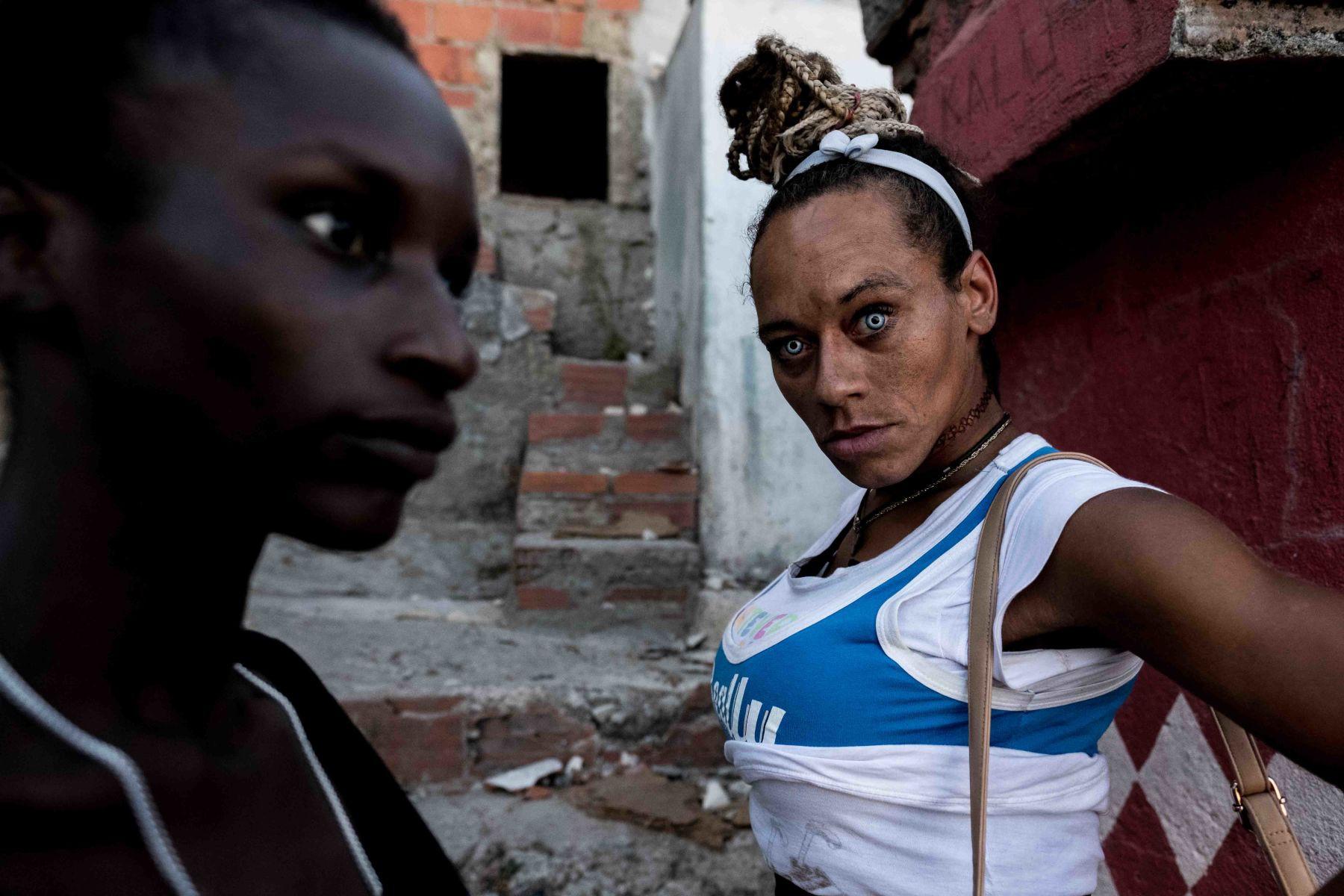 Mặt tối cuộc sống mang tên 6 de Maio: Những gì diễn ra bên trong khu phố nguy hiểm bậc nhất Bồ Đào Nha - Ảnh 15.