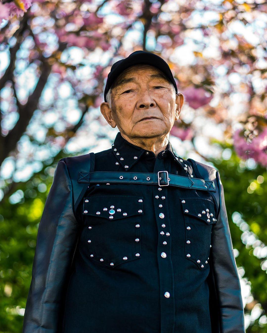 Internet phát sốt với cụ ông ăn chơi nhất Nhật Bản: 84 tuổi vẫn diện đồ hiệu nghìn USD, thần thái ngút trời - Ảnh 10.
