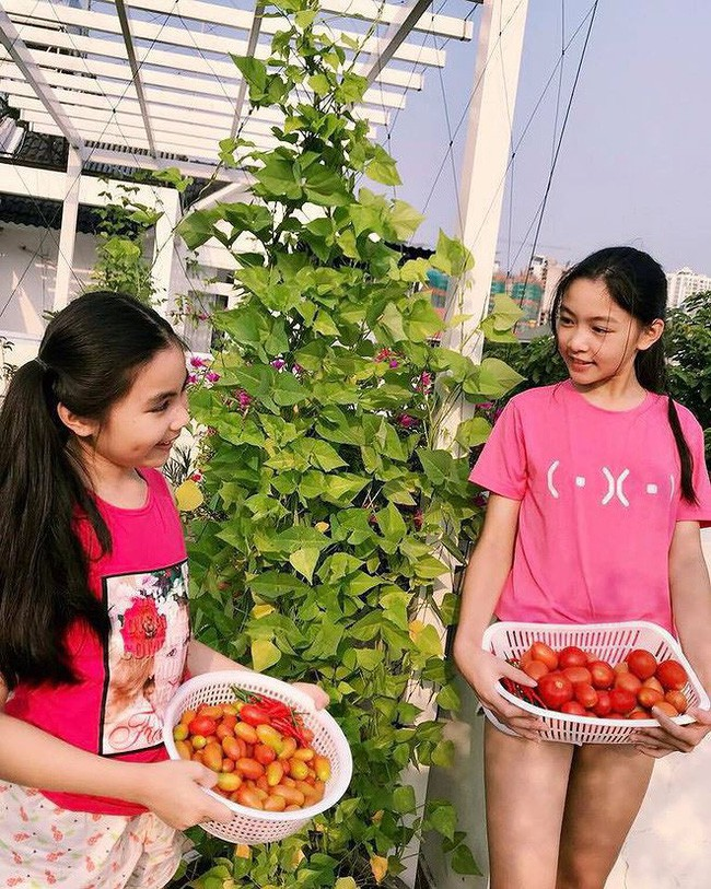 """""""Công chúa"""" 14 tuổi nhà Quyền Linh: Cao 1m7, sở hữu vẻ đẹp mong manh và được ví là bản sao của Trương Bá Chi - Ảnh 15."""