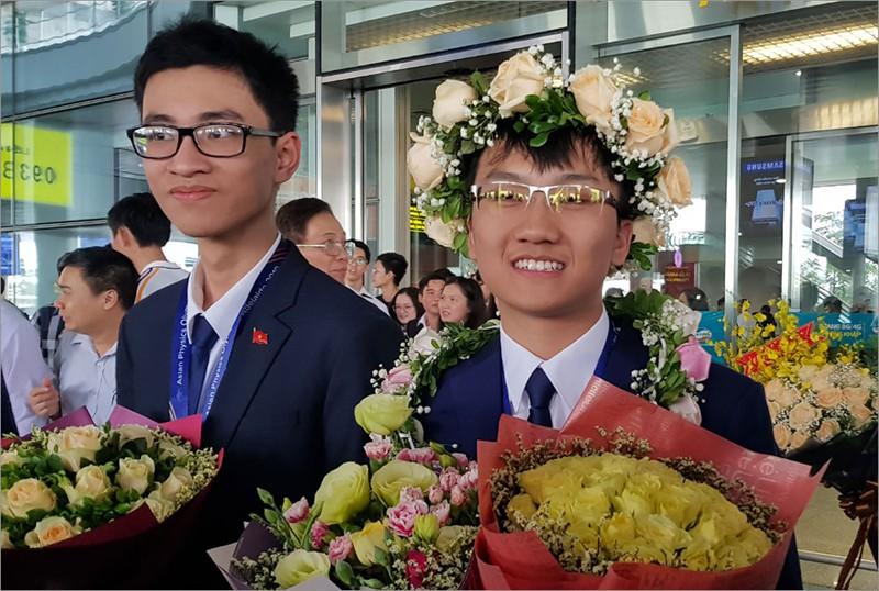 Giành 7 giải, đội tuyển Olympic Vật lý châu Á trở về trong hân hoan - Ảnh 3.