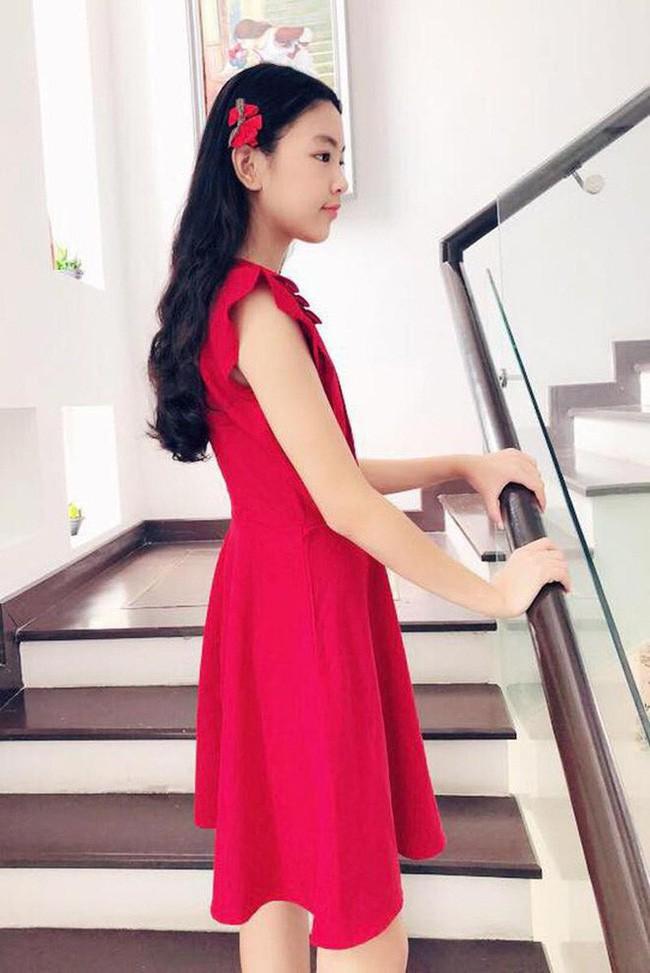 """""""Công chúa"""" 14 tuổi nhà Quyền Linh: Cao 1m7, sở hữu vẻ đẹp mong manh và được ví là bản sao của Trương Bá Chi - Ảnh 6."""