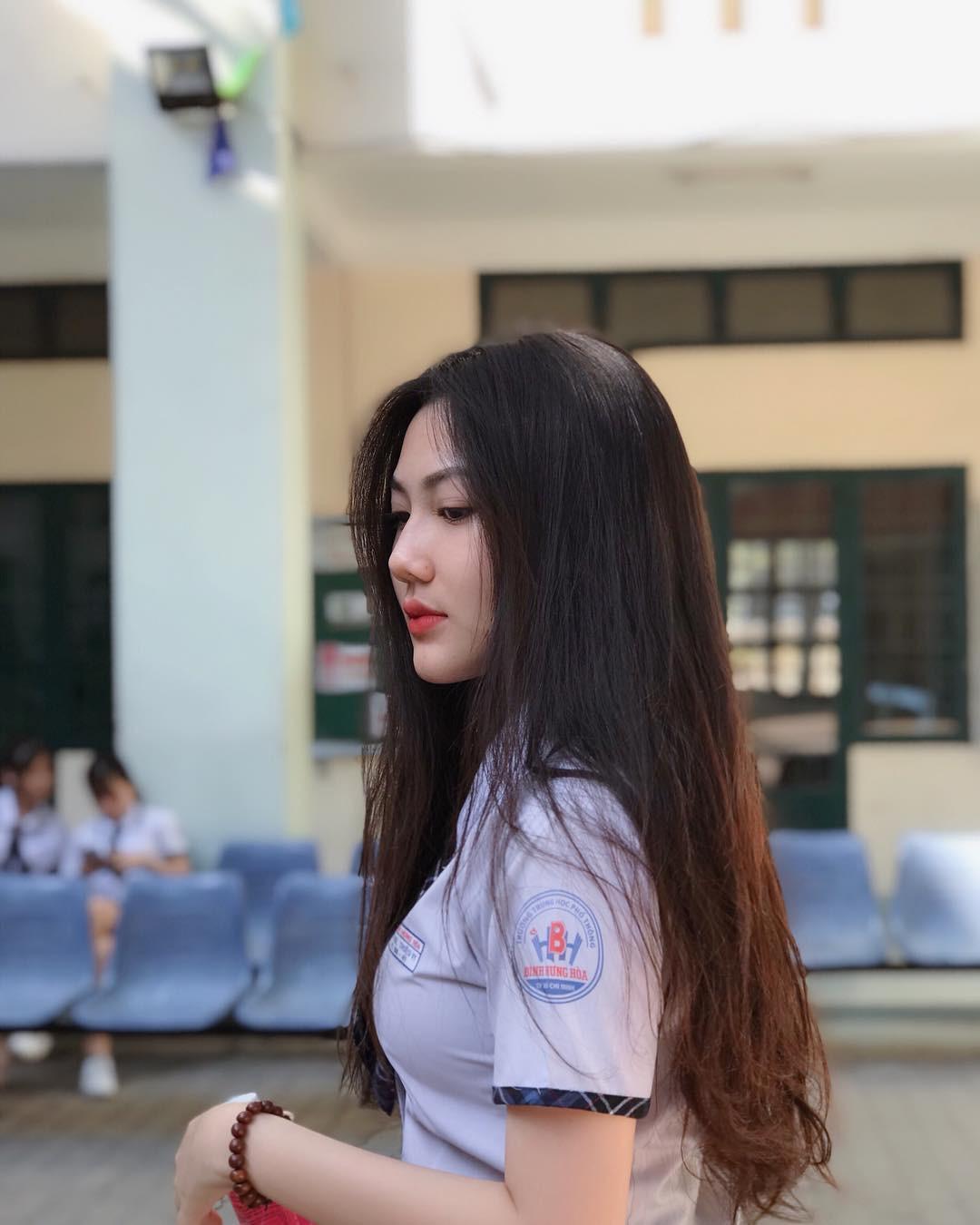 Hội gái xinh mới 17 tuổi đã nổi tiếng rần rần: Toàn cực phẩm học đường, có người được báo Trung ca ngợi với loạt mỹ từ - Ảnh 5.