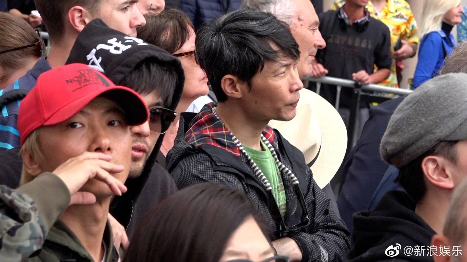 Cuồng vợ kiểu Châu Kiệt Luân: Tháp tùng bà xã bằng trực thăng riêng nhưng cải trang thành fan ngắm vợ tại Cannes - Ảnh 5.