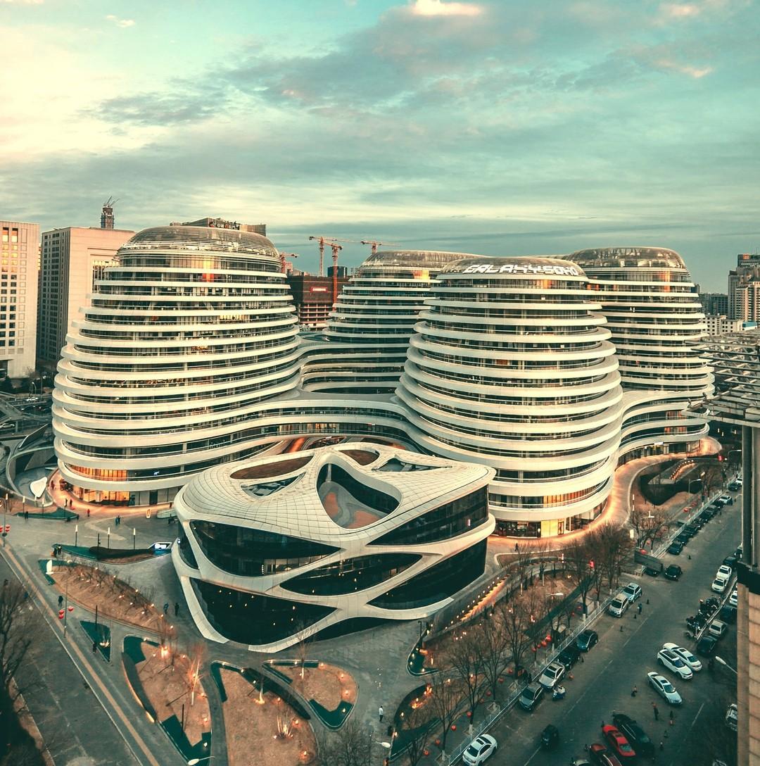 Choáng ngợp trước trung tâm thương mại hình xoắn ốc lên ảnh siêu ảo từng gây tranh cãi khắp Trung Quốc - Ảnh 11.