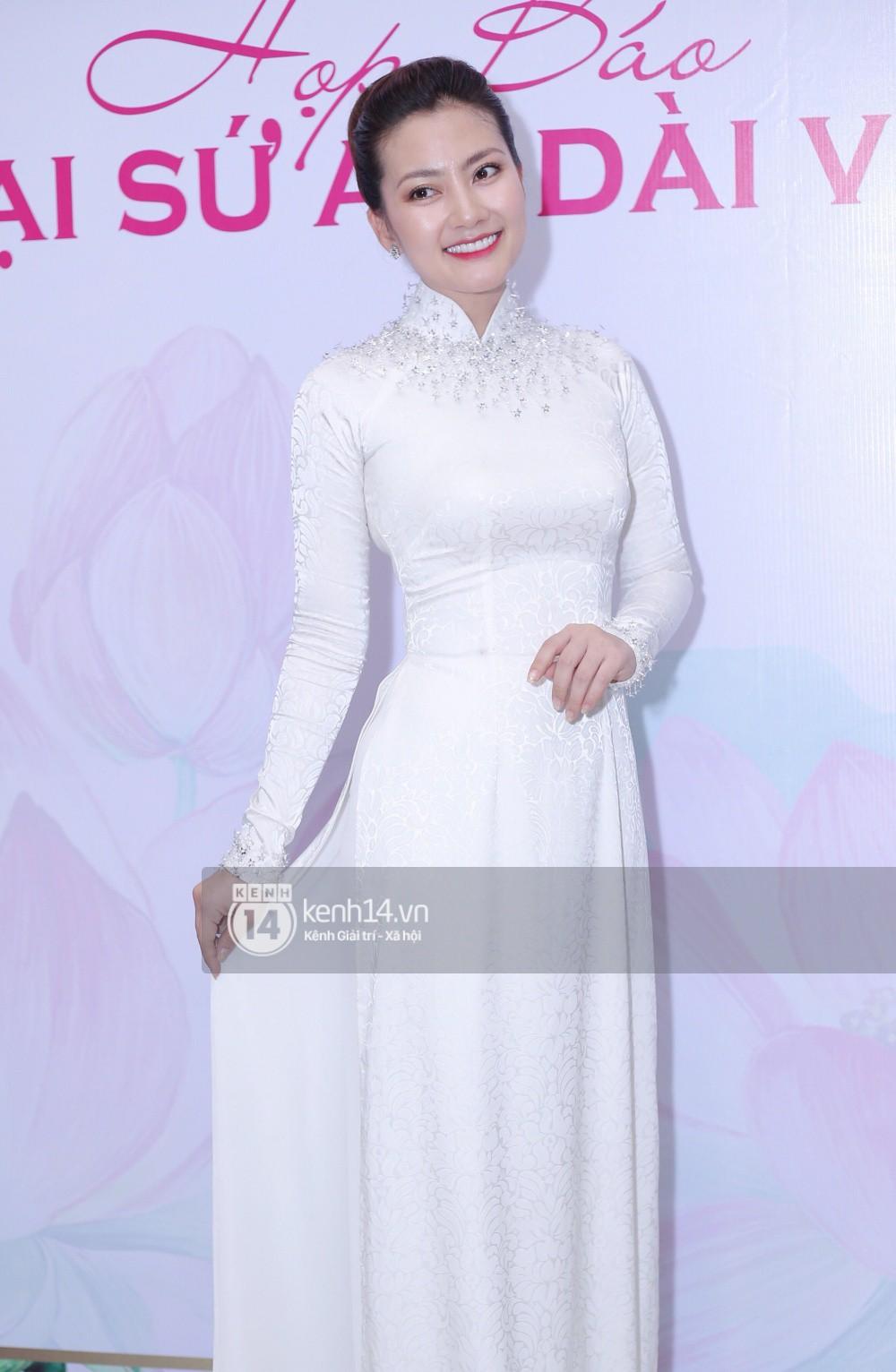Phương Khánh để tóc mái bằng, khoe eo thon 54 cm cũng chưa chặt chém bằng mỹ nhân đeo nhẫn 5,5 tỷ đồng dự sự kiện - Ảnh 5.