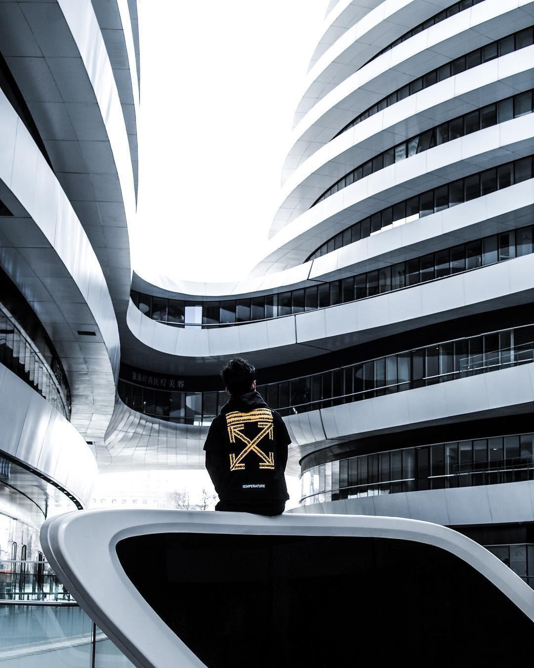 Choáng ngợp trước trung tâm thương mại hình xoắn ốc lên ảnh siêu ảo từng gây tranh cãi khắp Trung Quốc - Ảnh 4.