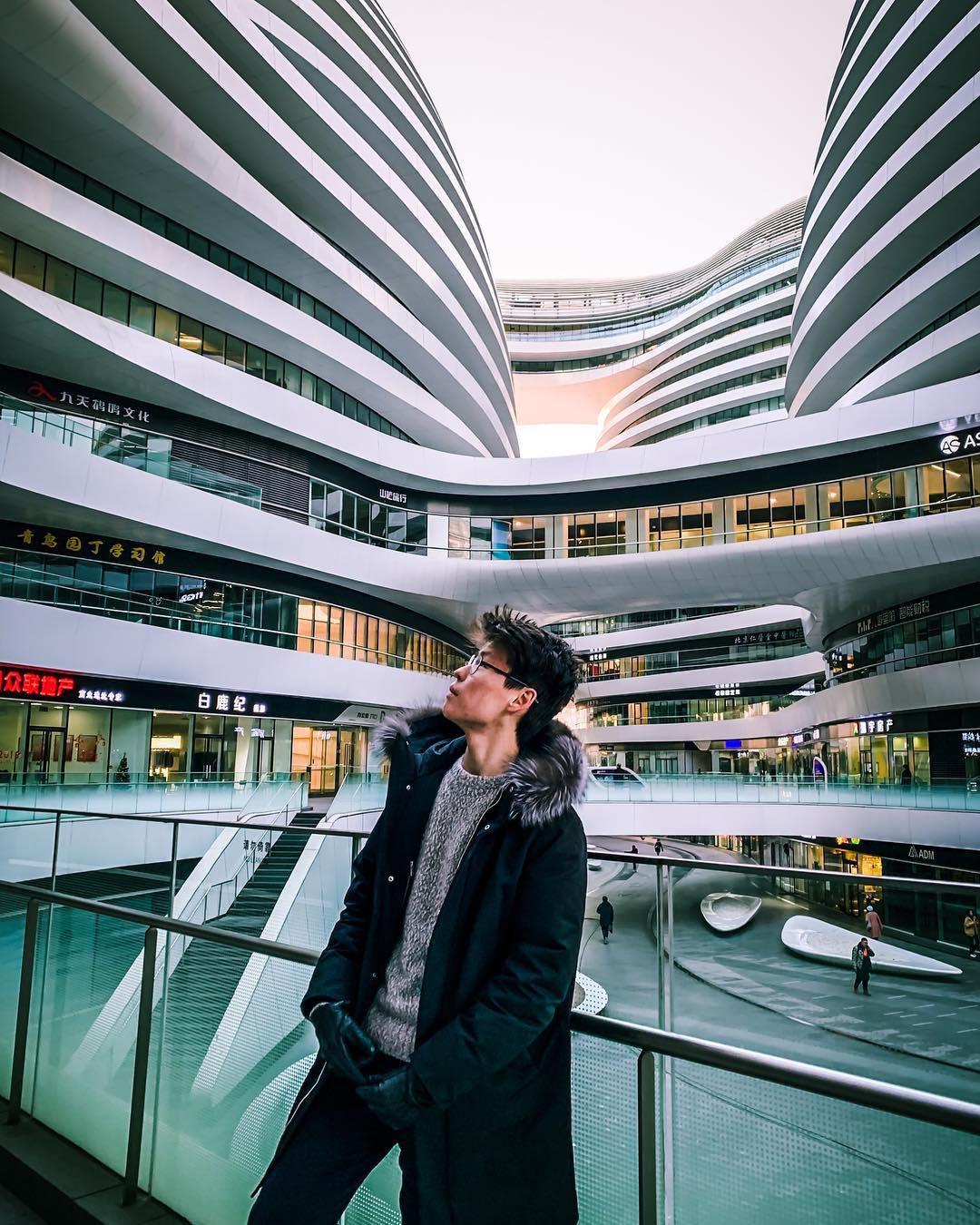 Choáng ngợp trước trung tâm thương mại hình xoắn ốc lên ảnh siêu ảo từng gây tranh cãi khắp Trung Quốc - Ảnh 20.