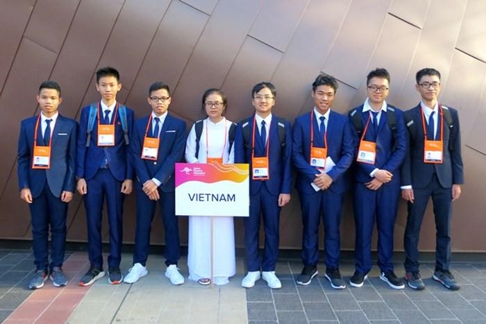 Hai anh em song sinh cùng có mặt trong đội tuyển quốc gia Olympic Vật lý châu Á 2019 - Ảnh 1.