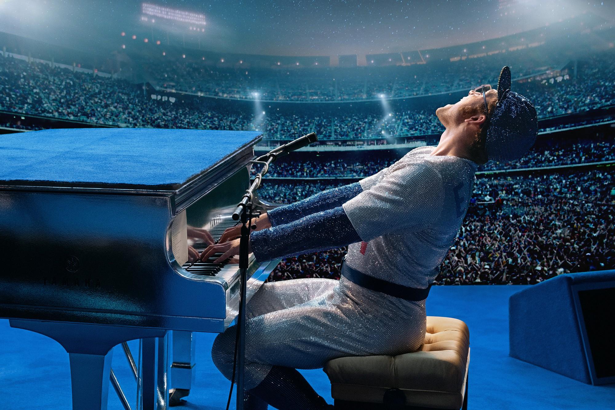 Ngoài chuyện váy áo xum xuê trên thảm đỏ, Cannes năm nay còn có 6 phim rất đáng chú ý - Ảnh 4.