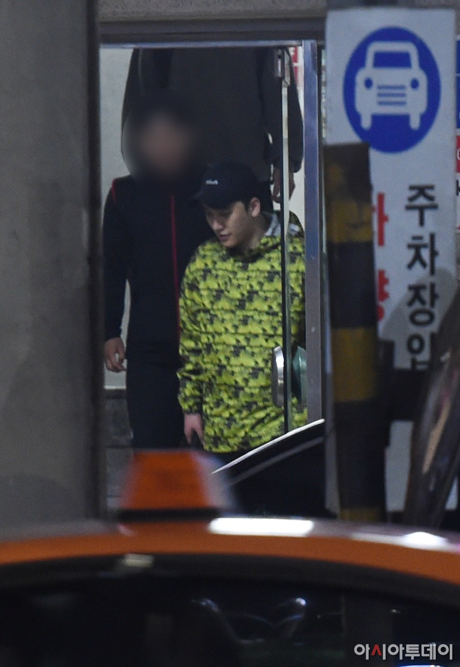 Nóng: Seungri vui vẻ đi tập gym sau khi tòa án hủy lệnh bắt, công chúng Hàn và quốc tế phẫn nộ, fan Việt vẫn bênh - Ảnh 3.