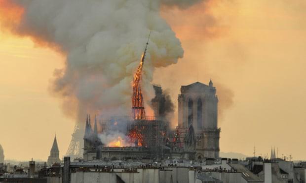 Sáng kiến xây hồ bơi chân mây trên nóc Nhà thờ Đức Bà Paris khiến những người theo truyền thống tức giận - Ảnh 2.