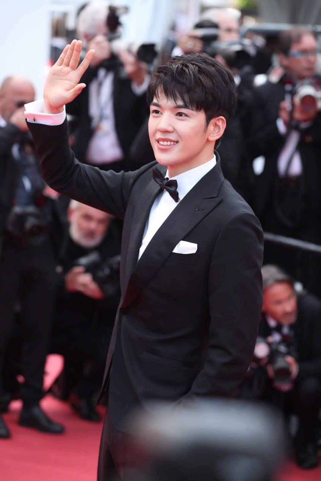 Thảm đỏ Cannes ngày 2: Thiên thần Victorias Secret suýt lộ hàng, Phạm Băng Băng Thái Lan xinh như tiên tử - Ảnh 42.