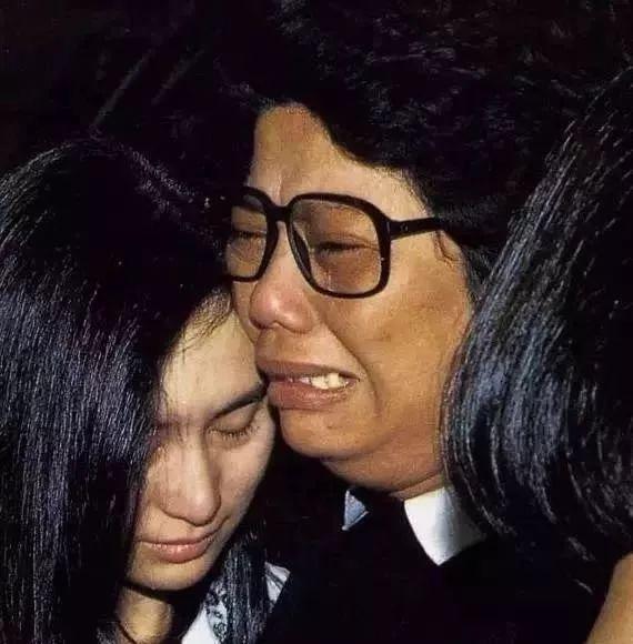Hà Siêu Quỳnh: Ái nữ phản nghịch của gia tộc trùm sòng bạc Macau và 2 cuộc hôn nhân ngàn tỷ tan vỡ - Ảnh 11.