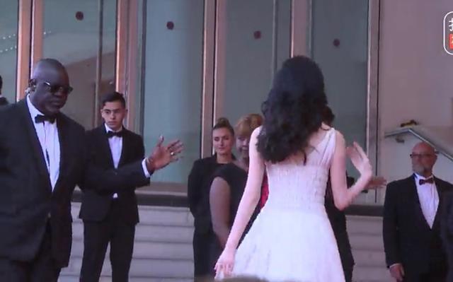 2 mỹ nhân bị đối xử một trời một vực tại Cannes: Cảnh Điềm bị xua đuổi phũ phàng, sao nữ này lại được chào đón - Ảnh 15.