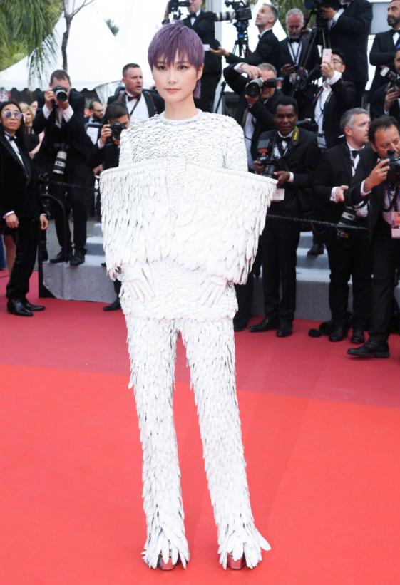 2 mỹ nhân bị đối xử một trời một vực tại Cannes: Cảnh Điềm bị xua đuổi phũ phàng, sao nữ này lại được chào đón - Ảnh 3.