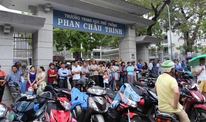 Tuyển sinh lớp 10: Nhiều phụ huynh sốc vì Đà Nẵng bỏ môn thi phút 89 - Ảnh 1.