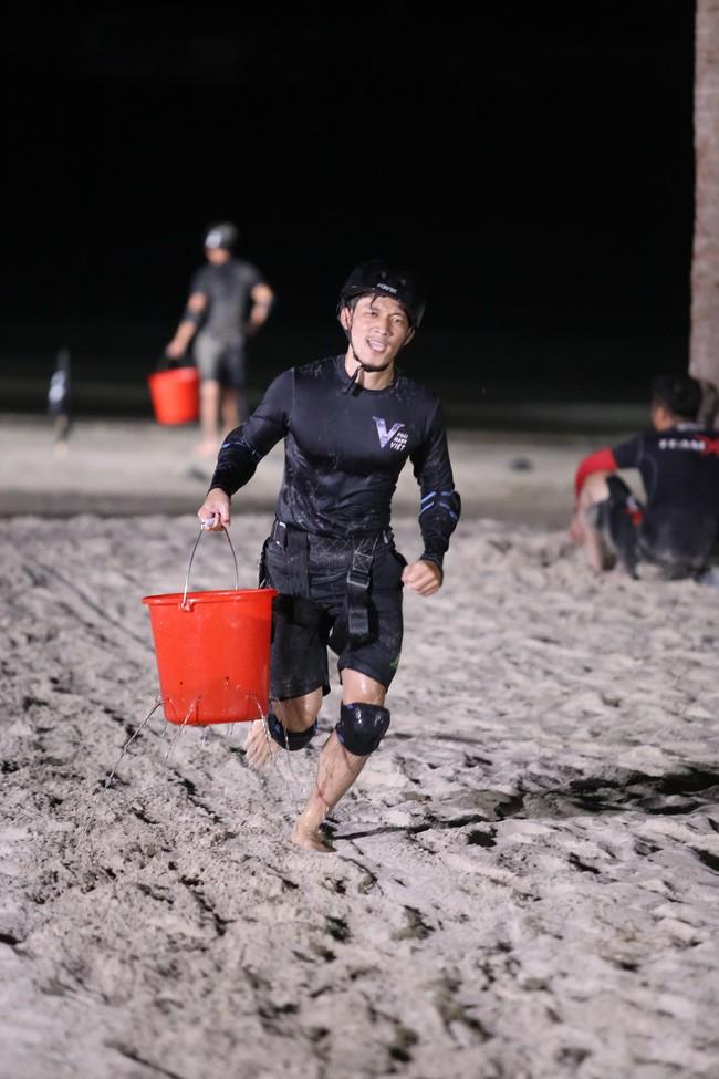 Trước khi gây chú ý tại Running Man Việt, Liên Bỉnh Phát từng bị loại khá sớm ở 1 gameshow về thể lực khác - Ảnh 4.
