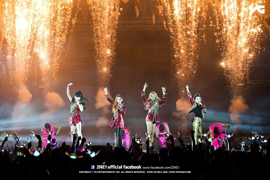 Nhìn lại chặng đường âm nhạc của 2NE1 sau 10 năm: Tiếc nuối cho bom tấn một thời nay lỡ dở - Ảnh 4.