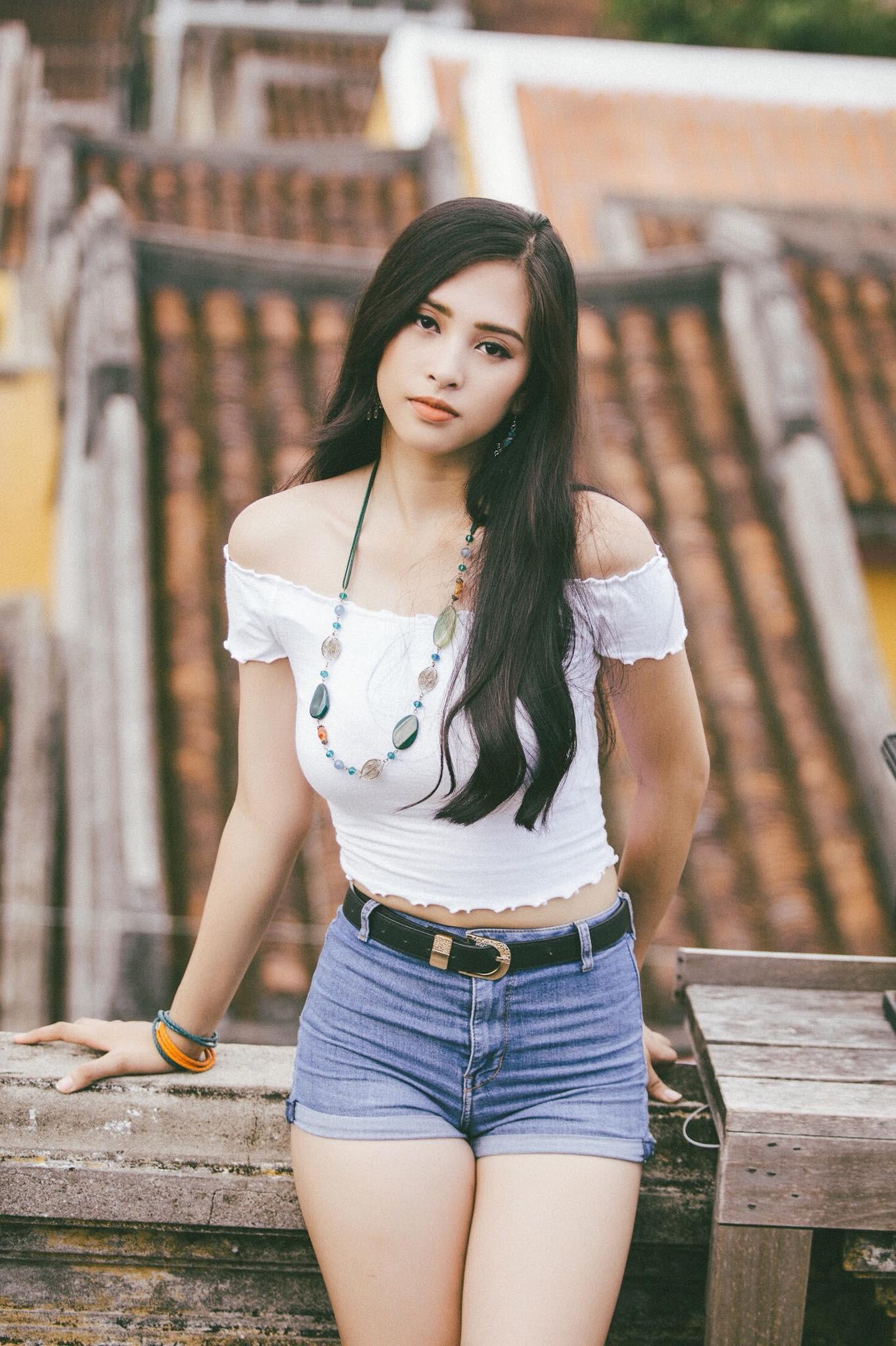 Thế hệ mỹ nhân 10x của Vbiz: Người sở hữu vòng eo nhỏ nhất showbiz, người là Hoa hậu mang nét đẹp lai Tây gợi cảm hút hồn - Ảnh 4.