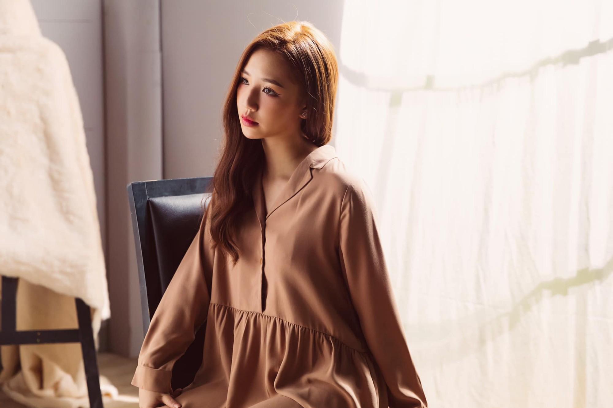 Thế hệ mỹ nhân 10x của Vbiz: Người sở hữu vòng eo nhỏ nhất showbiz, người là Hoa hậu mang nét đẹp lai Tây gợi cảm hút hồn - Ảnh 12.
