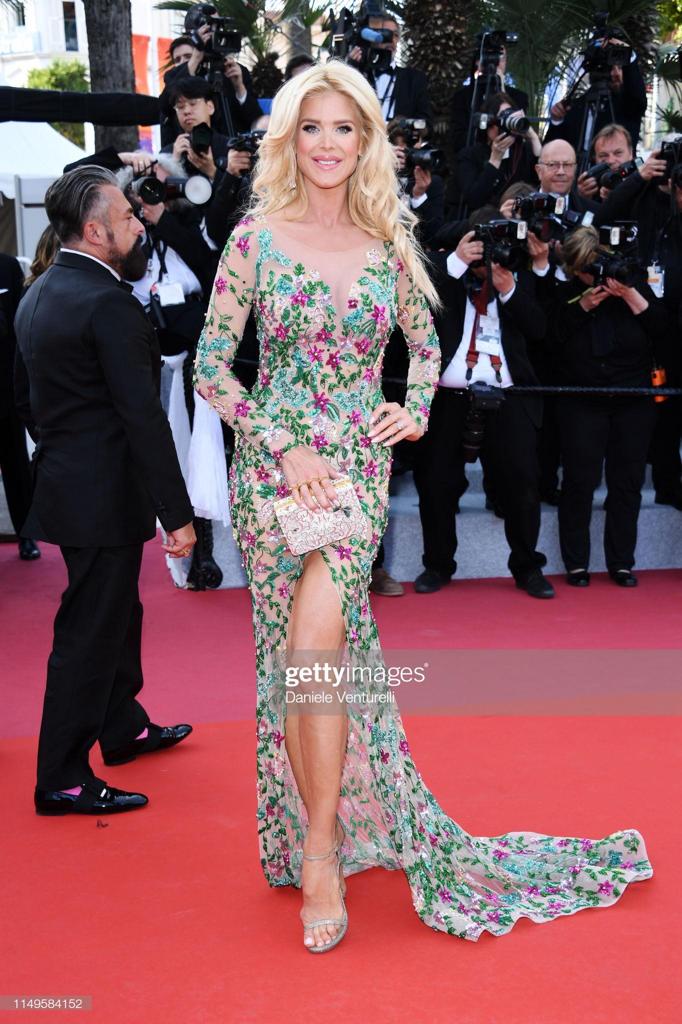 Thảm đỏ Cannes ngày 3: HLV The Face Thái Lan bất ngờ vùng lên chặt chém Bella Hadid cùng dàn mỹ nhân váy xẻ - Ảnh 32.