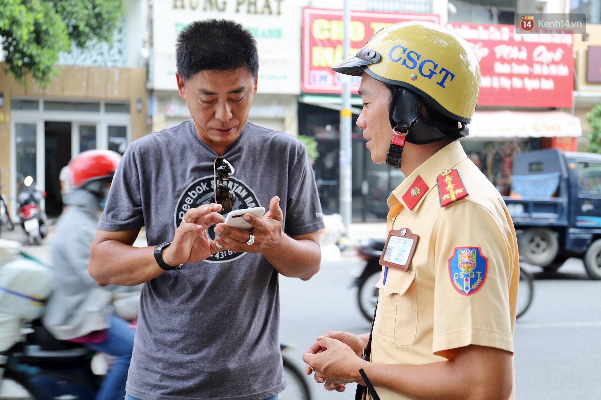 Chuyện người chiến sỹ CSGT được anh em tài xế Sài Gòn gọi bằng cái tên thân mật: Anh Đạt kích bình, cứ gọi là có - Ảnh 4.