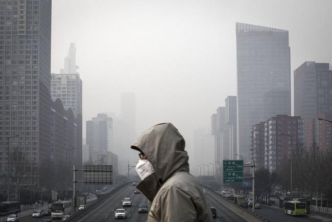 Đất nước ô nhiễm báo động, Trung Quốc cấm luôn khách sạn phục vụ vật dụng dùng một lần để giảm thiểu rác thải - Ảnh 1.