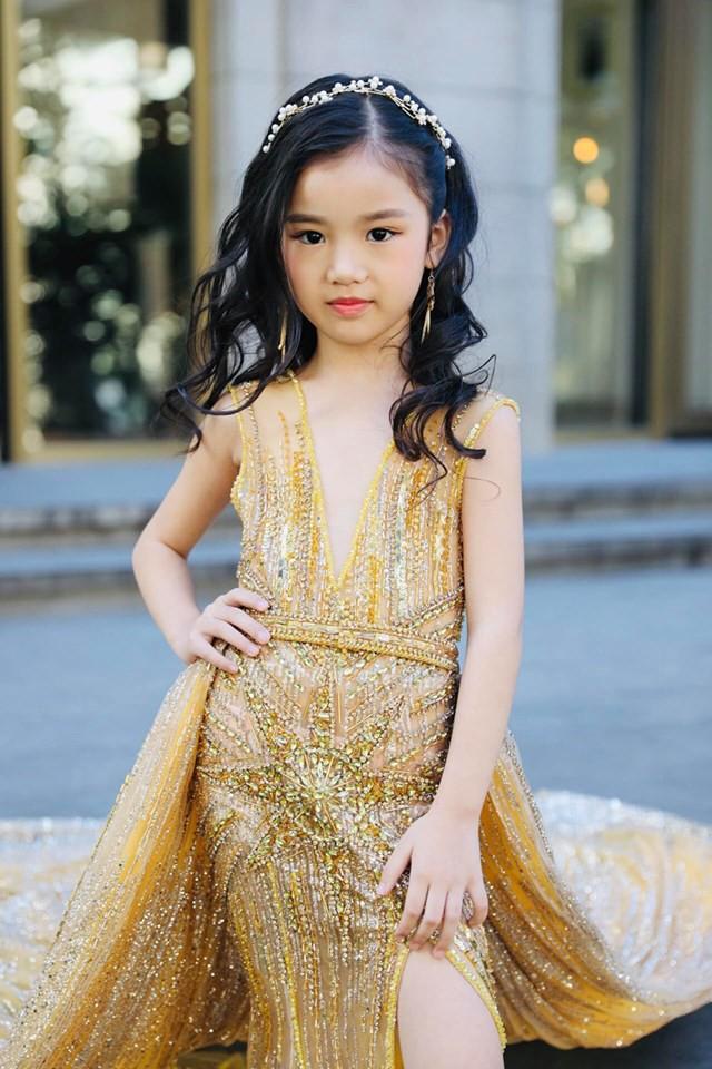 3 mỹ nhân nhí đang hot nhất Vbiz: Bản sao Phạm Hương đóng cảnh nóng năm 13 tuổi đến Hoa hậu Hoàn vũ khi chỉ vừa lên 7 - Ảnh 5.