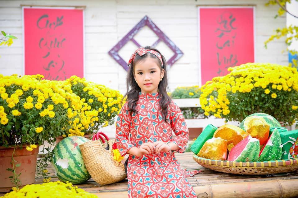 3 mỹ nhân nhí đang hot nhất Vbiz: Bản sao Phạm Hương đóng cảnh nóng năm 13 tuổi đến Hoa hậu Hoàn vũ khi chỉ vừa lên 7 - Ảnh 10.