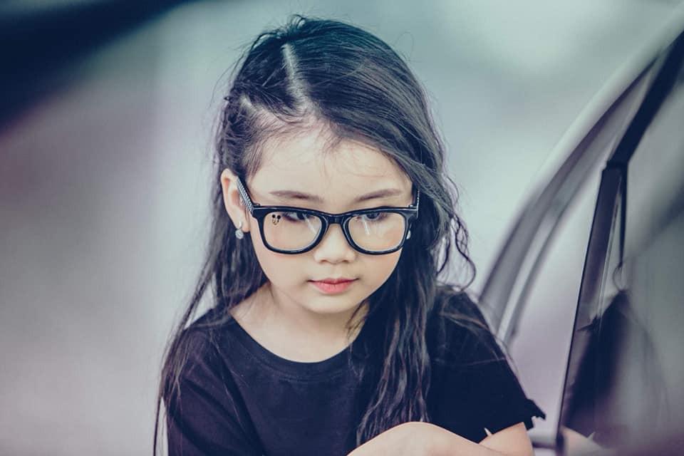 3 mỹ nhân nhí đang hot nhất Vbiz: Bản sao Phạm Hương đóng cảnh nóng năm 13 tuổi đến Hoa hậu Hoàn vũ khi chỉ vừa lên 7 - Ảnh 11.