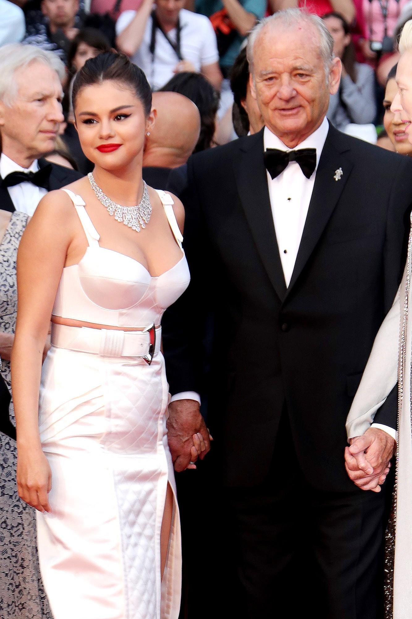 Choáng: Sau bao năm chia tay Justin, Selena Gomez thông báo chuẩn bị kết hôn với tài tử 69 tuổi? - Ảnh 3.