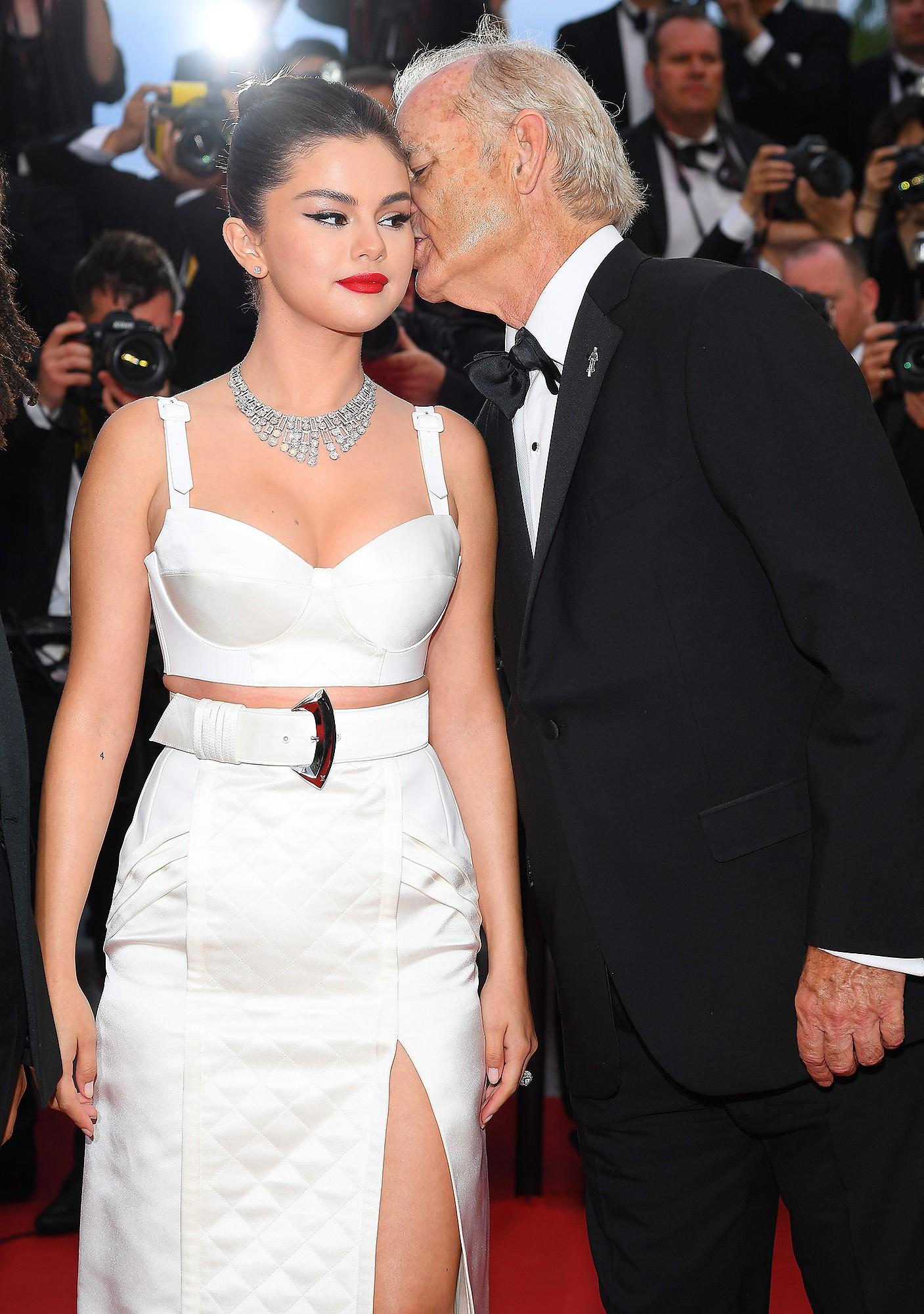 Choáng: Sau bao năm chia tay Justin, Selena Gomez thông báo chuẩn bị kết hôn với tài tử 69 tuổi? - Ảnh 4.