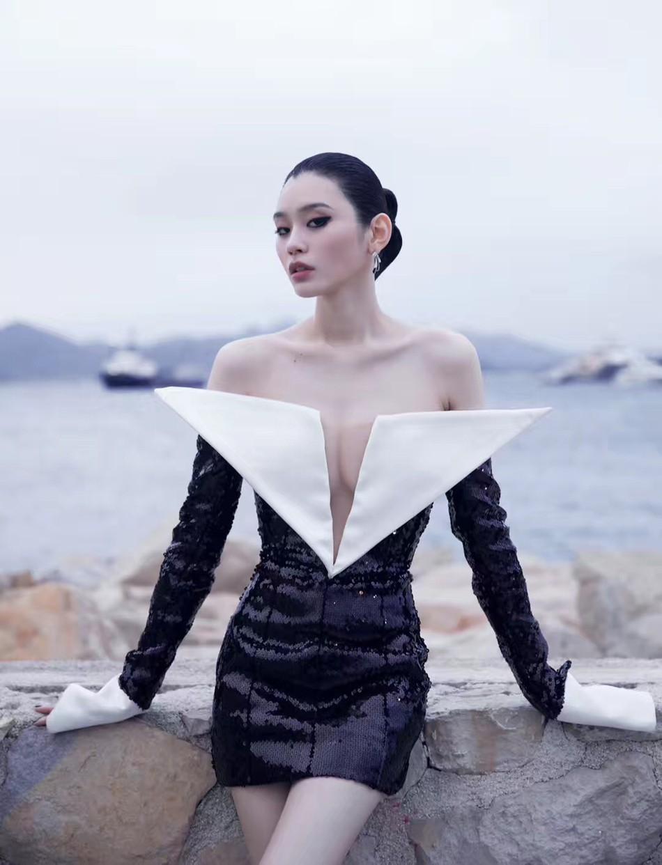 Sự kiện bên lề Cannes: Ming Xi - Sui He cạnh tranh sắc vóc khốc liệt, Lưu Đào - Quan Hiểu Đồng chẳng chịu lép vế - Ảnh 3.